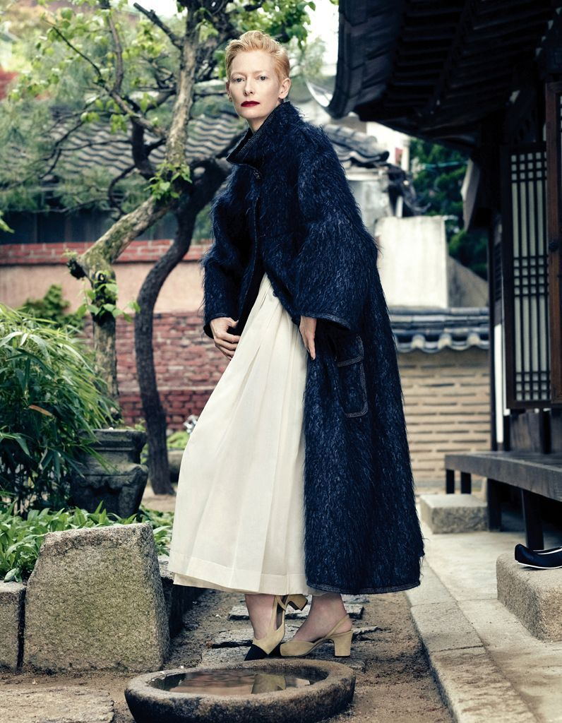 02_Tilda_Swinton_Janghyun_Hong_pour_le_Vogue_Korea