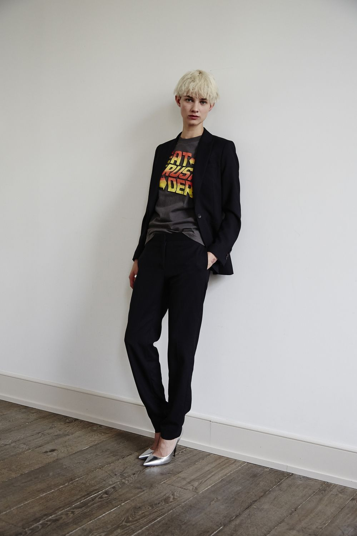 comment porter le tailleur pantalon paul smith nous apprend comment porter le costume pantalon. Black Bedroom Furniture Sets. Home Design Ideas