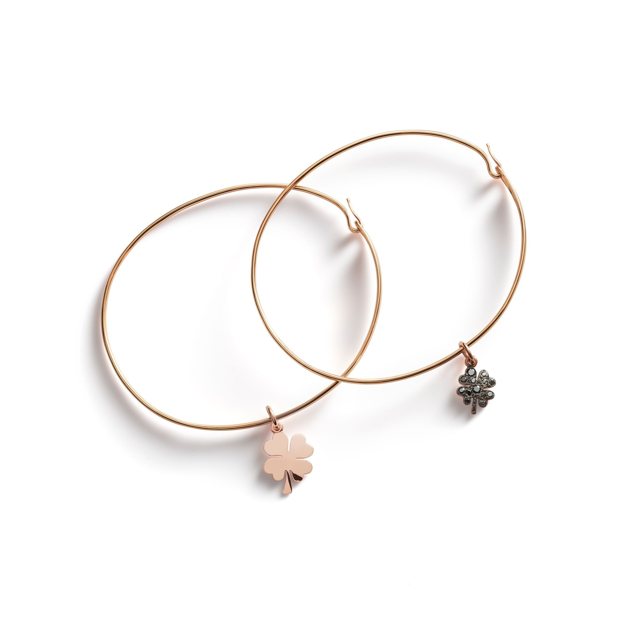 BANGLES WITH FOUR-LEAF CLOVER CHARMS (2)