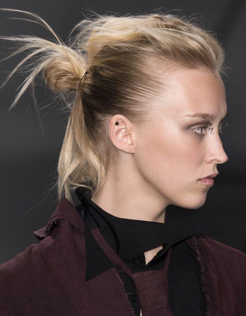 chignon-cheveux-courts-carré