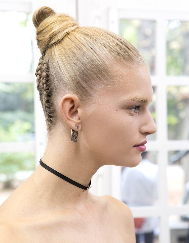 chignon-cheveux-courts-tresse