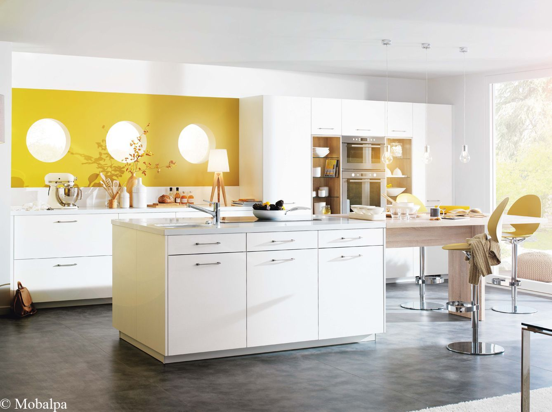Cuisine Blanc Gris Violet idées déco pour une cuisine chic et élégante - elle décoration