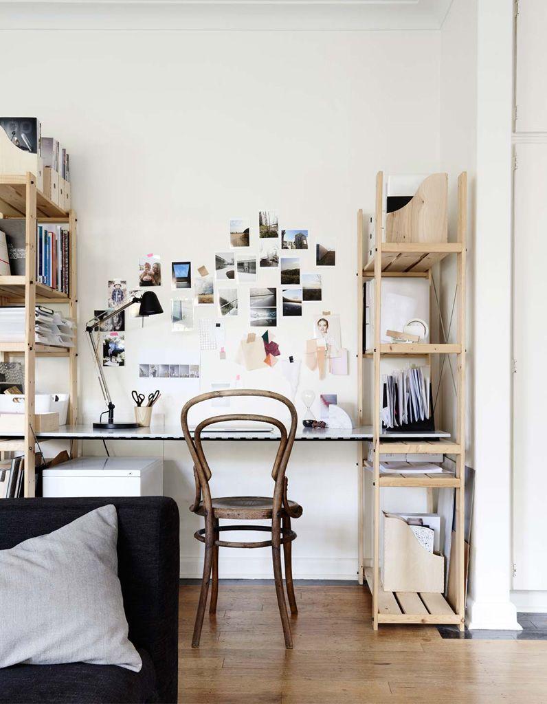 Des bibliothèques pour des rangements au-dessus et sous le bureau