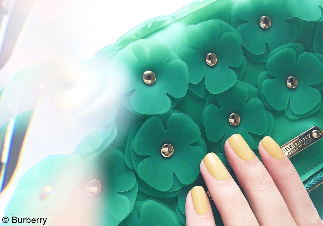 géné Introducing the Burberry Nails Spring Summer 2014 Collectio_001
