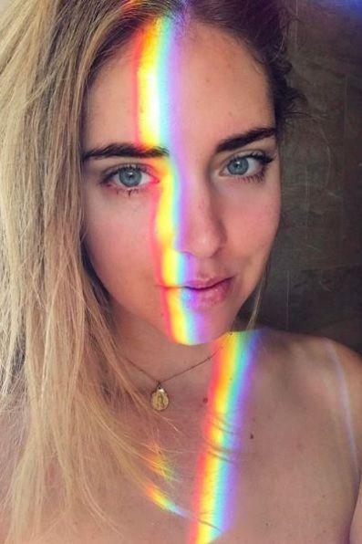 Comment Faire Un Selfie Arc En Ciel La Tendance Qui Envahit