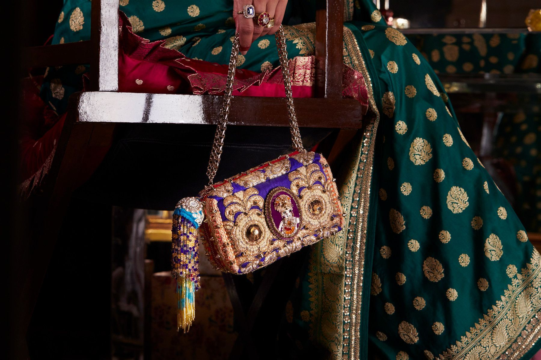JPG-CL_17_FW_Sabyasachi_Products_Guillaume-Fandel 2