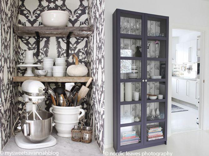 Le papier peint dans une cuisine, ça change tout ! (image_4)