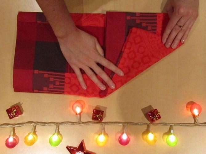Le plus géométrique : plier sa serviette comme une pyramide (image_3)
