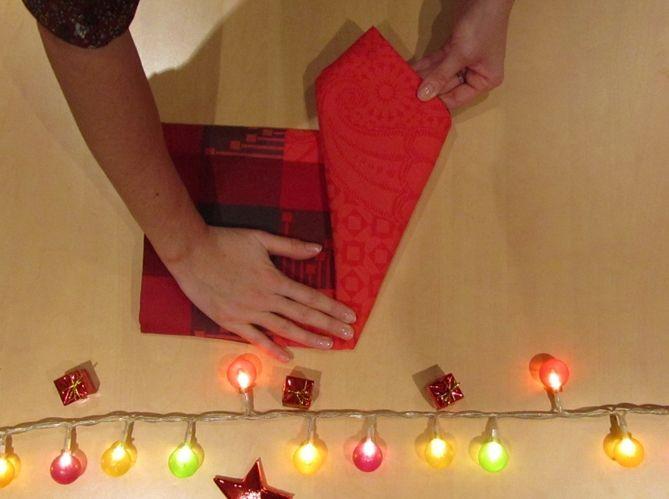 Le plus géométrique : plier sa serviette comme une pyramide (image_4)