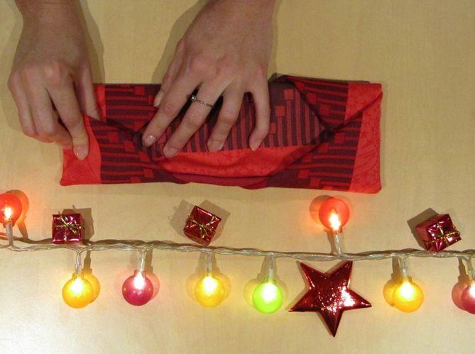 Le plus pratique : plier sa serviette comme en écrin pour ses couverts (image_4)