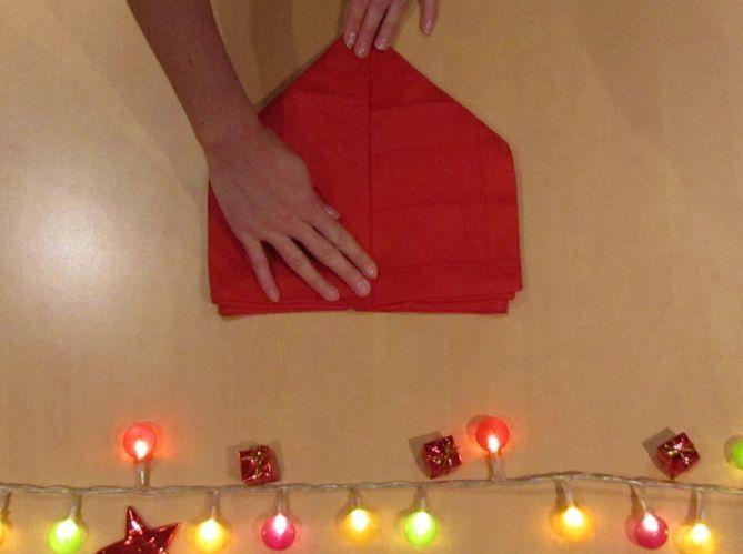 Le plus romantique : plier sa serviette en coeur (image_3)