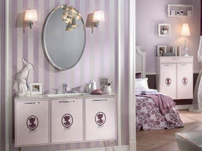Les appliques de chaque côté du miroir (image_2)