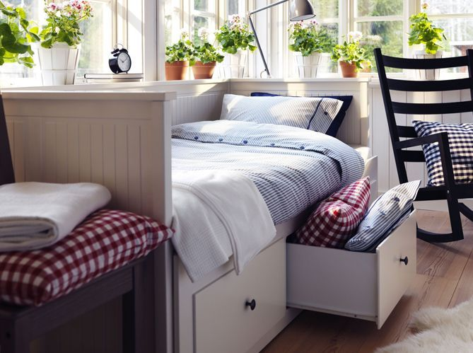 Les rangements intégrés au lit (image_5)