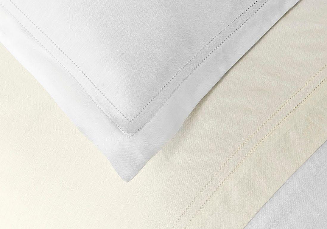 l 39 inspiration du jour du linge de lit en lin une. Black Bedroom Furniture Sets. Home Design Ideas