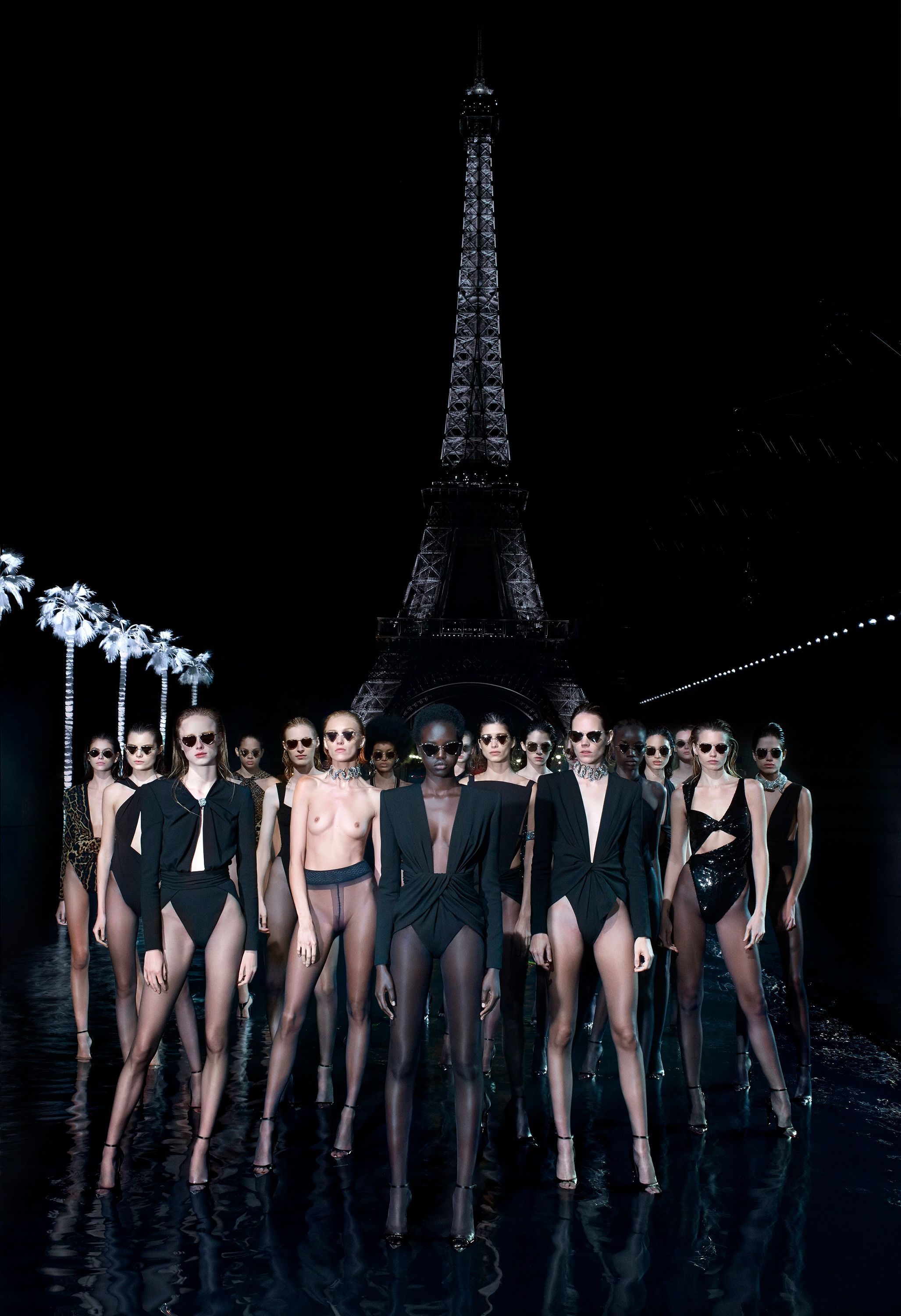 SAINT LAURENT_SELF02_VANESSA BEECROFT_HR_02