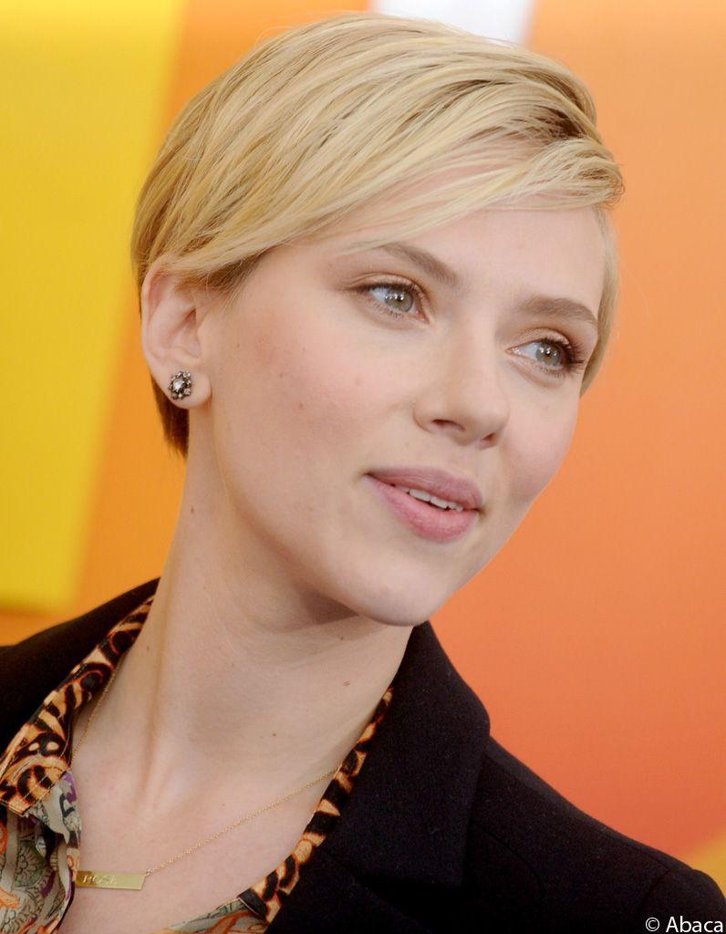 Scarlett-Johansson-coupe-courte