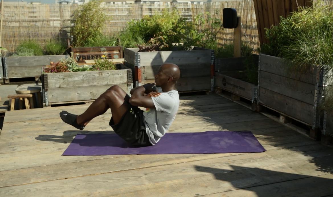 Le stomach vacuum, le nouvel exercice pour muscler son ventre en douceur