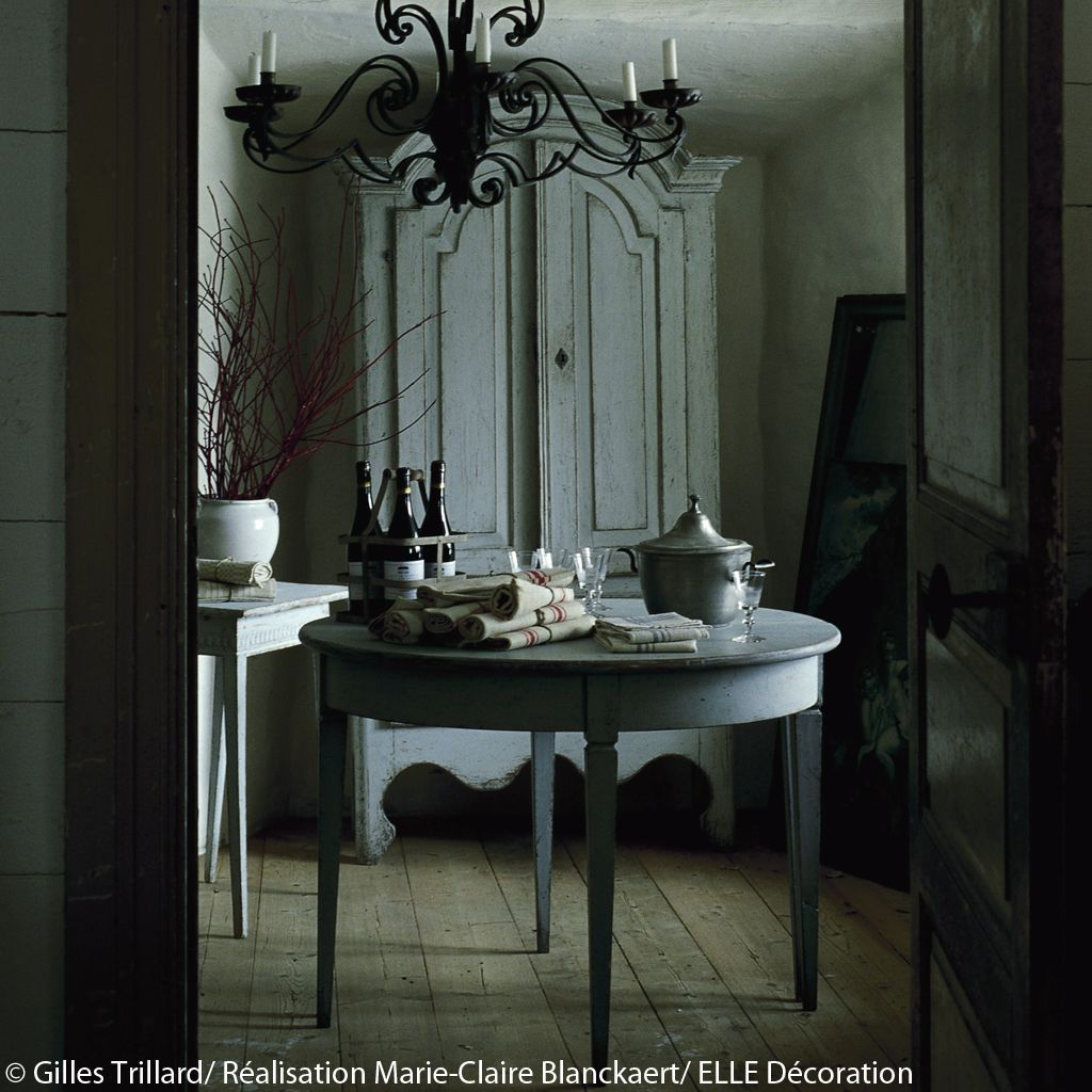 table-style-gustavien