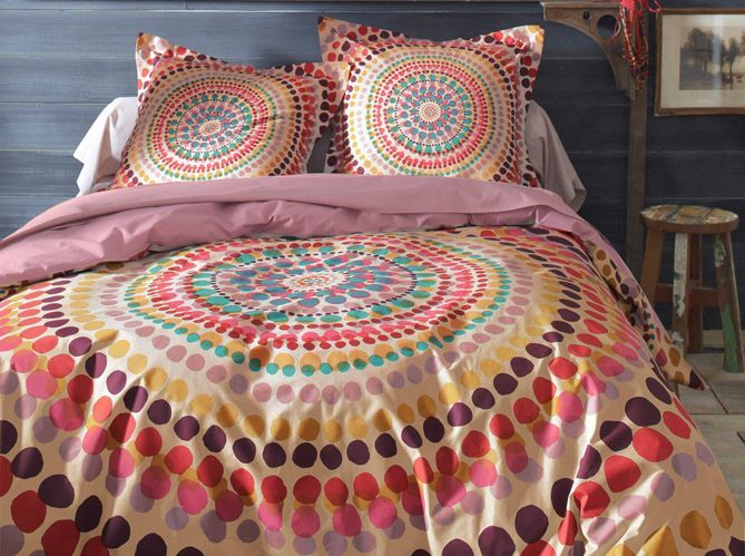 Un lit coloré (image_2)