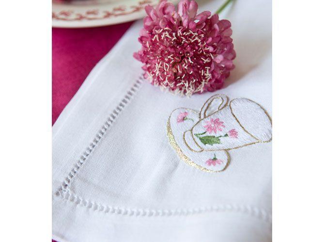 Un tea time rose et fleuri, très british (image_3)