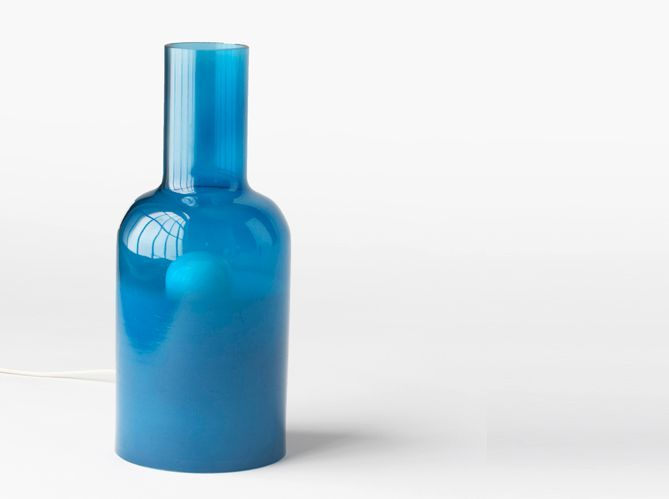 Une lampe en forme de bouteille (image_2)