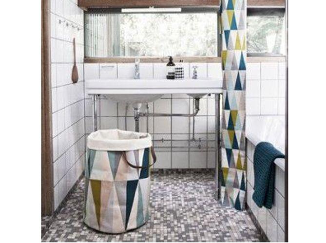 Une salle de bains avec motifs (image_2)