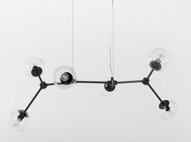 Une suspension de globes de verre (image_2)