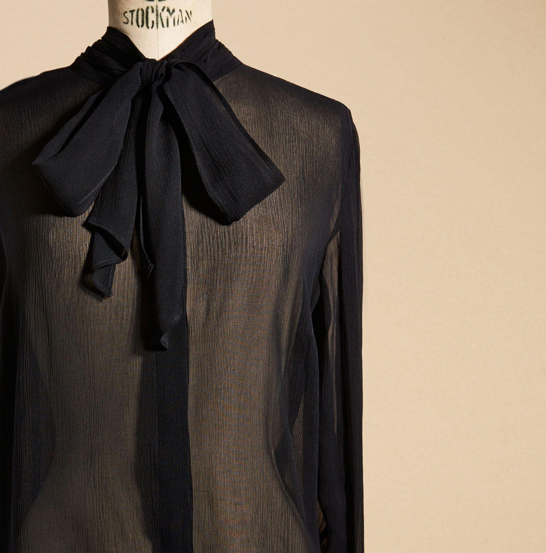 chemise noeud AU PRINTEMPS PARIS