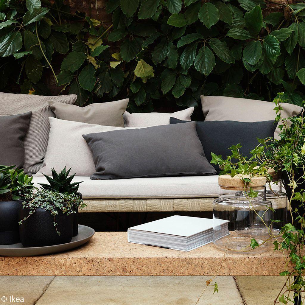 decoration-ecolo-banc-en-liege-et-plantes