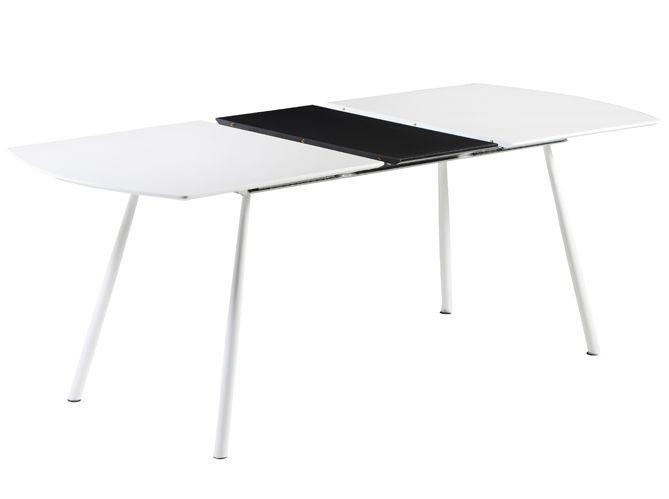 Une grande table dans un tout petit espace (image_2)