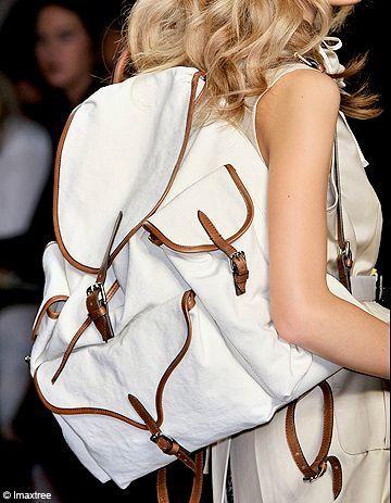 On veut toutes un sac à dos