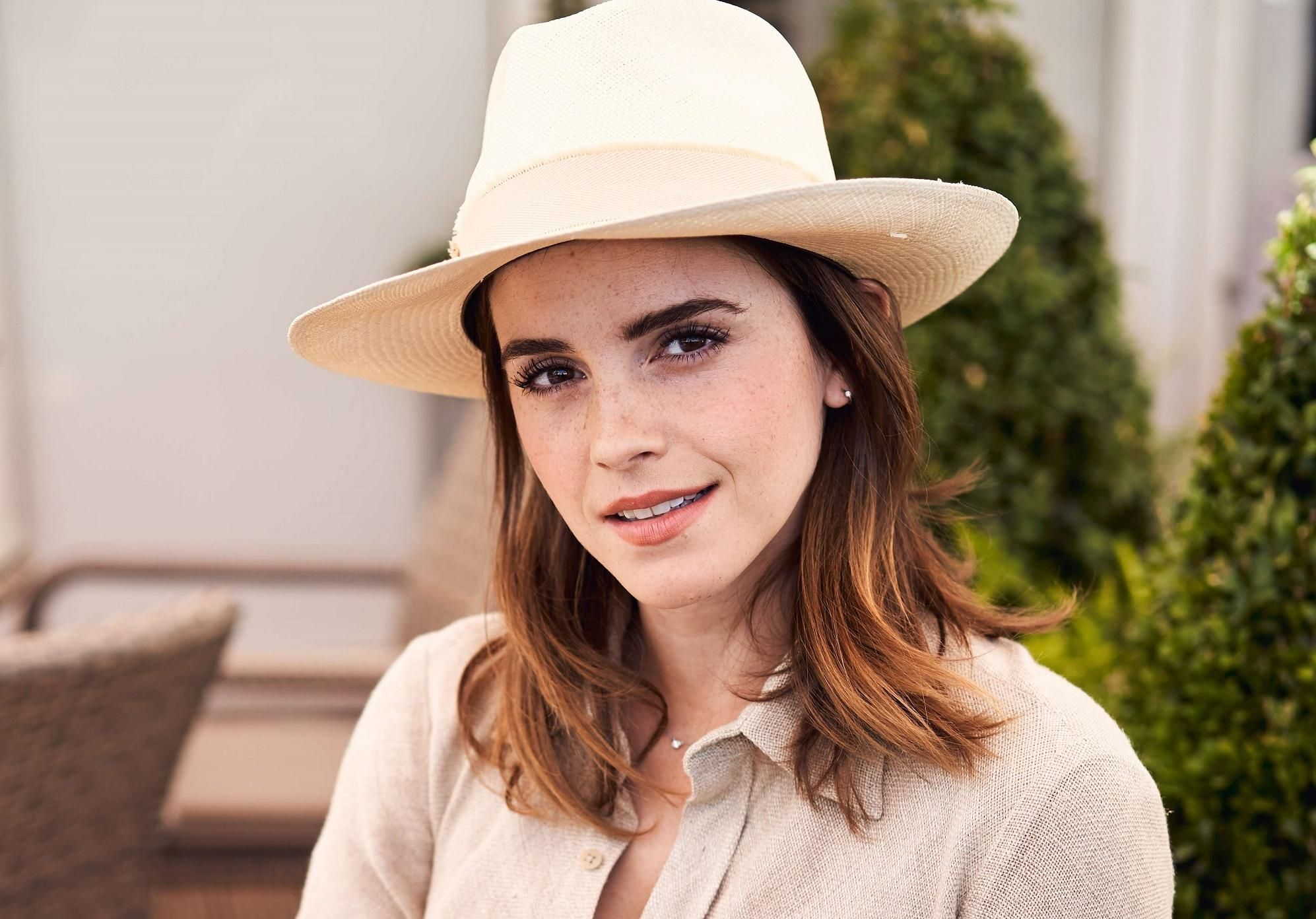Comment twister sa robe chemise comme Emma Watson ?