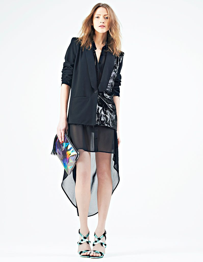 Comment porter la robe transparente ?