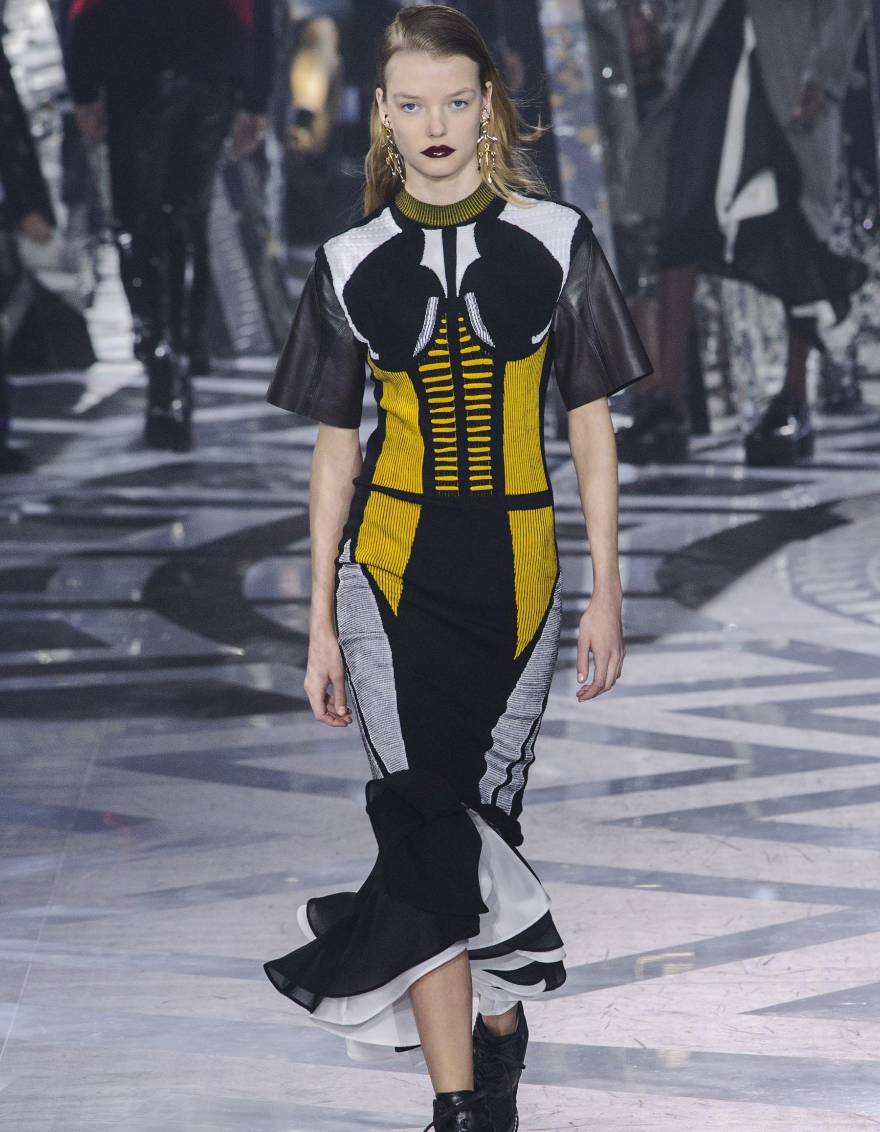 Fashion Week : les plus beaux looks de la semaine de la mode à Paris