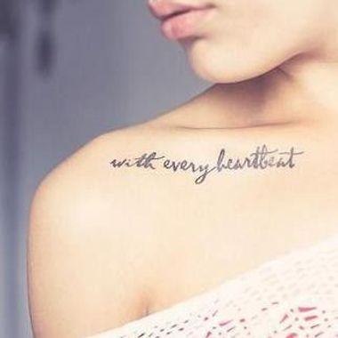 Tatouages phrases : 30 jolis emplacements où se faire tatouer