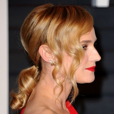 On aime la queue-de-cheval ondulée de Diane Kruger