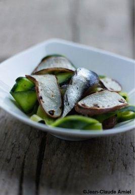 Tagliatelles de courgettes aux anchois et navets sautés