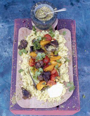 Tajine d'agneau, aubergines poêlées et crumble de cumin