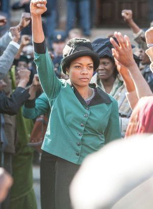 Video Naomie Harris une Winnie Mandela convaincante