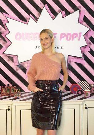 Rencontre olfactive et pop avec Poppy Delevingne, la « queen » des bains moussants