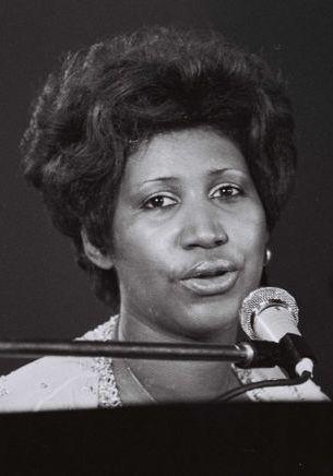 Playlist : les 10 tubes d'Aretha Franklin à réécouter en boucle