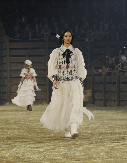 Les images du defile Chanel Paris Dallas