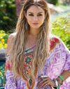 Vanessa Hudgens blonde et bohème à Coachella