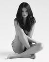 Selena Gomez : pourquoi pose-t-elle presque nue ?