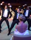 #PrêtàLiker : le marié offre une chorégraphie endiablée à sa femme !