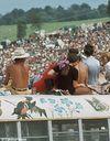"""""""Happy Birthday Woodstock !""""  en mode et en musique"""