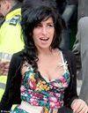 Amy Winehouse risque de perdre sa fausse poitrine