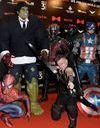 Grièvement blessé après avoir sauvé sa soeur, un petit garçon érigé en héros par les Avengers