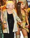 Trop vieille pour se faire tatouer ? La grand-mère d'Ariana Grande saute le pas à 93 ans !
