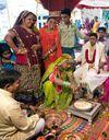 Inde : un kit antinatalité pour les jeunes mariés